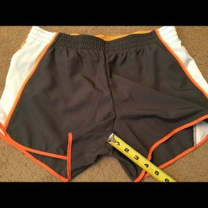 Women's Nike Fit Shorts Medium